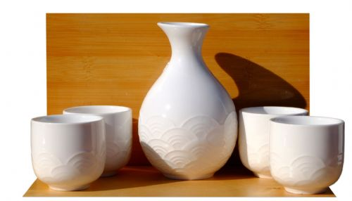 White Textured Wave Sake Set 4 cups